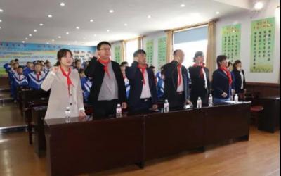 """和龙市图书馆组织开展""""民族团结+红色文化知识讲座'七进'活动""""开幕式"""